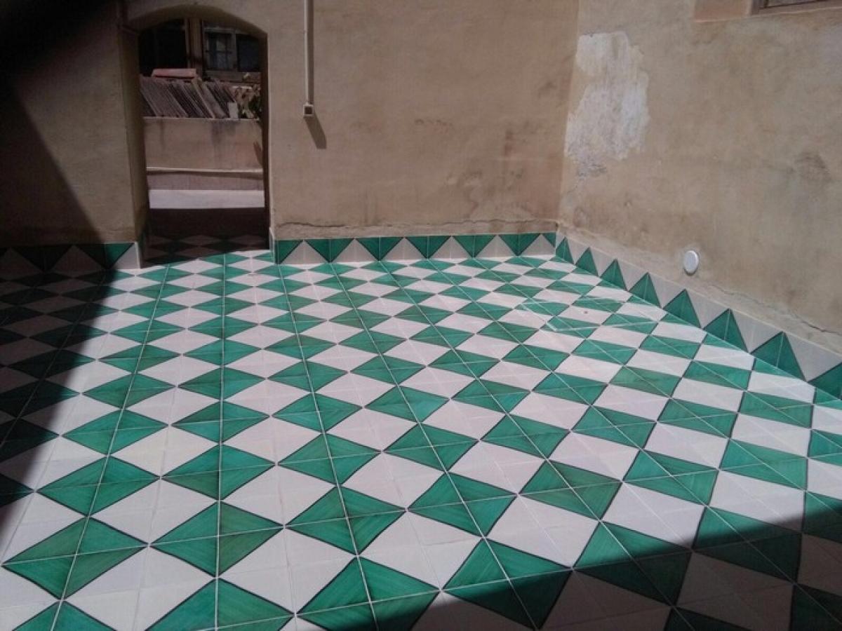 Cotto e maioliche siciliane comed ceramiche restauro