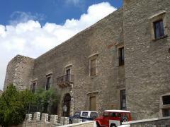 castello_ventimiglia-1.jpg